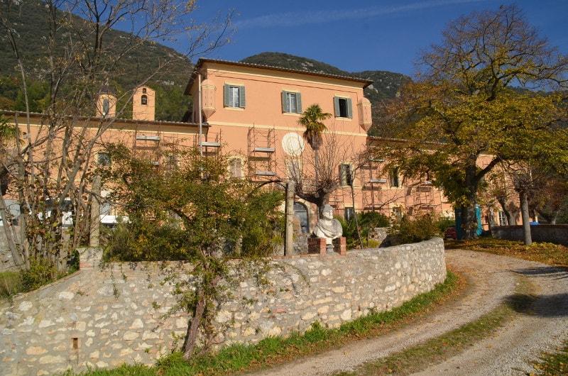 facciata villa setacci terni